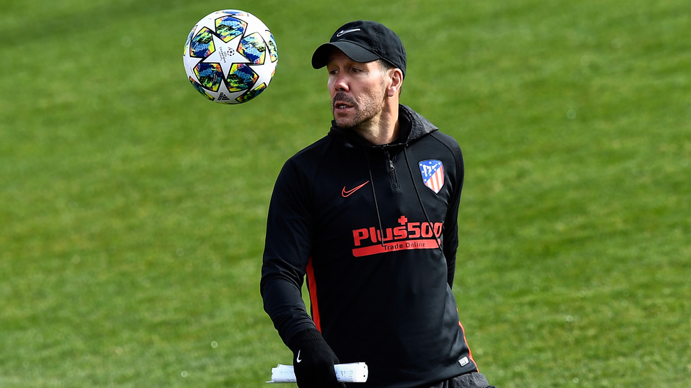 Atletico Madrid's Argentinian coach Diego Simeone attends a training session at the Atletico de Madrid Sports City in Majadahonda on November 25, 2019, on the eve of their UEFA Champions League football match against Juventus FC. (Photo by OSCAR DEL POZO / AFP) (Photo by OSCAR DEL POZO/AFP via Getty Images)